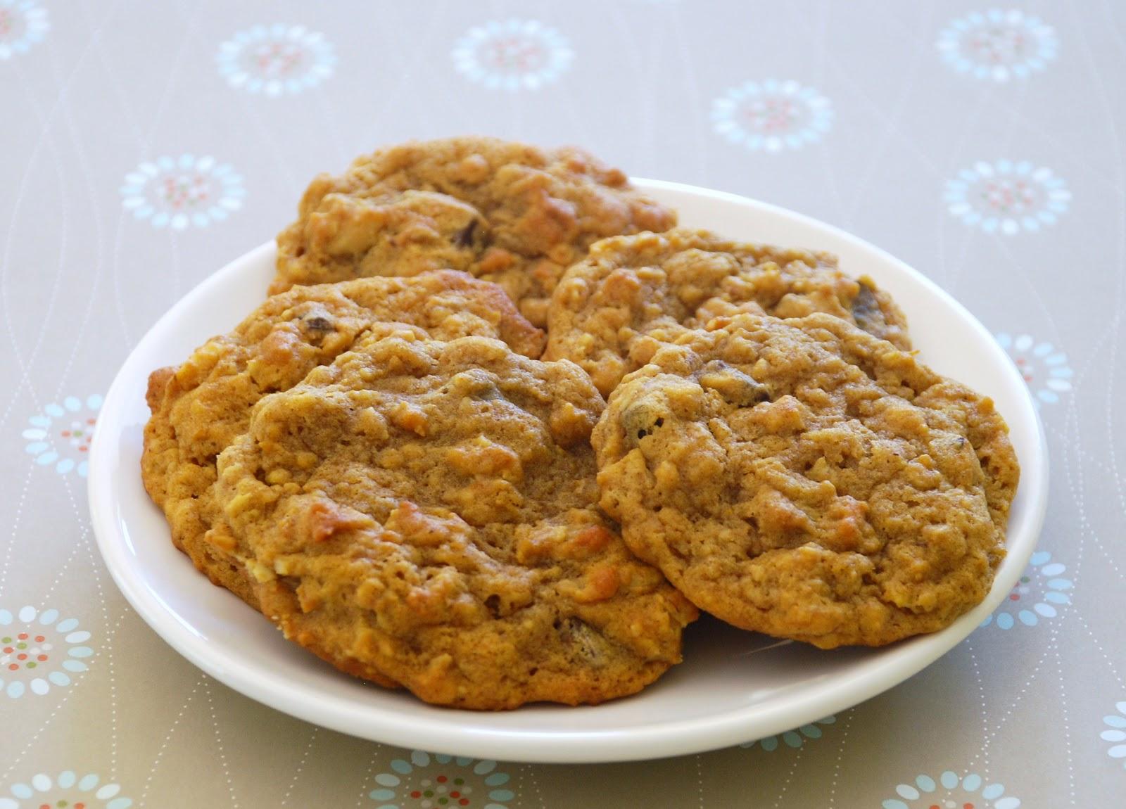 cinnamon apple spiced oatmeal spiced pumpkin oatmeal cookies pumpkin ...
